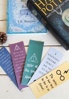 Les marque-pages Harry Potter & la version illustrée du tome 1 Marque Page Harry Potter, Carte Harry Potter, Magia Harry Potter, Deco Harry Potter, Harry Potter Bookmark, Theme Harry Potter, Harry Potter Birthday, Harry Potter Facts, Harry Potter Quotes