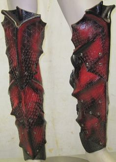 Dragon Scale Leather Leg Armor Greaves by SharpMountainLeather, $179.99