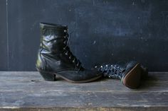 Vintage Roper Boots 6 M Leather Tie Ankle Boot by nowvintage,