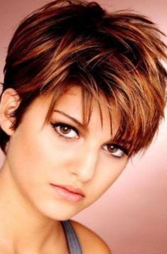 Wunderschöne damen kurzhaarschnitt fransig stylen ideen für tolle rundes gesicht dunnes haare damen frisuren kurz gestalten