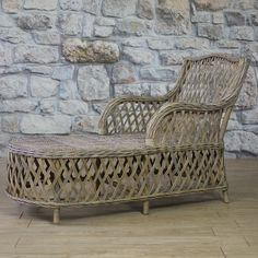 VICTORIA sun- og daybed in cubu rattan in antique grey finish.