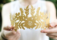 Fairy Paper Crown - Check out our list of 39 other DIY crown and tiaras that you can create for your next party | Coolcrafts.com
