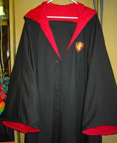 DIY walk through of how to make a school robe from Harry Potter ~ propaganda_13: Prisoner of Azkaban Robes