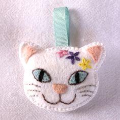 SALE! 'Pretty Kitty' - Embroidered felt key ring - FREE UK P&P £5.00