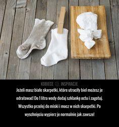 Jak przywrócić biel skarpetkom?