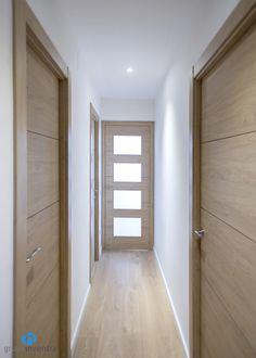 Interior Design Your Home, Interior Door Styles, Home Room Design, Home Design Decor, House Design, Modern Interior Doors, Flush Door Design, Home Entrance Decor, Flur Design