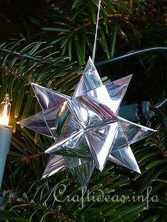 German Paper Stars (Fröbelstern) aka Advent star, Danish star, German star, Nordic star, Pennsylvanian star, Polish star, Swedish star, Christmas star, or Froebel star. #holiday_crafts #paper_craft