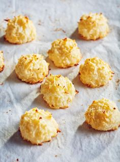 The classic coconut macaroon is already hacked—no wheat or leavening agents make it a popular Passover treat. Well, brace yourself for our egg-free recipe! Egg Free Recipes, Fun Easy Recipes, Easy Desserts, Snack Recipes, Easy Meals, Dessert Recipes, Cooking Recipes, Patisserie Sans Gluten, Dessert Sans Gluten