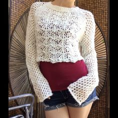 Topshop Crochet Knit White Cropped Summer Sweater Excellent condition. No stains rips or tears. Smoke free home. Elegant, bohemian chic. Swim suit cover up. Spring summer lightweight sweater. Topshop Tops Crop Tops