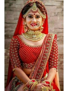 Pin By Rani On Bride In 2019 Indian Bridal Hairstyles Bridal Hairstyle Indian Wedding, Indian Bridal Photos, Indian Wedding Bride, Indian Bridal Hairstyles, Indian Bridal Outfits, Indian Bridal Fashion, Wedding Hairstyles, Indian Weddings, Indian Bride Poses