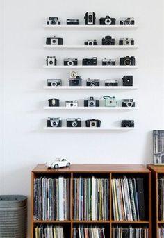 Heb jij het oog van een verzamelaar? Of vind je het gewoon leuk om persoonlijke vondsten te verwerken in je interieur? Stylist Anya van de Wetering van Kamer 465 geeft tips over hoe je dit op een simpele, maar efficiënte manier kunt doen.