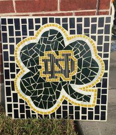 Notre Dame Wallpaper, Brady Quinn, Marathon Man, Go Irish, Notre Dame Football, Celtic Knots, Fighting Irish, Project Ideas, Projects