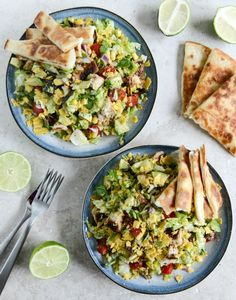 chopped chicken taco salads with cheese quesadilla strips - delicious! Reminded me of Chili's Quesadilla Explosion Salad. Mexican Food Recipes, Vegetarian Recipes, Cooking Recipes, Healthy Recipes, Cooking Tips, Cooking Food, Taco Salat, Chicken Tacos, Chicken Salad