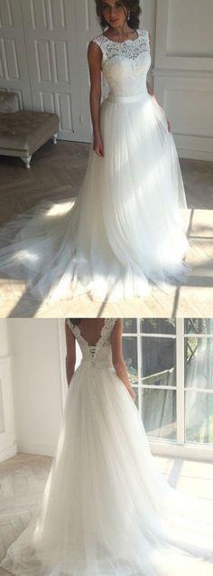 Love the tulle look on the bottom #laceweddingdresses