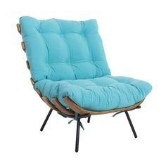 Poltrona Costela Tecido - Poltrona com estrutura em metal, ripas em multilaminado imbuia. Assento e encosto em tecido. Possibilidade de revestimento em couro ecológico ou couro natural. Fabricação Desmobilia.