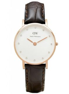 Daniel Wellington's Classy Range is made with a smaller watch face and Swarovski Crystal stones. They are made for women who are stylish and elegant. Wear it as a basic accessory along with your other arm candies, which we suggest you go minimal so that the watch would stand out. With its watch face at 26mm in diameter, it's the perfect accessory with a feminine flair added to it!    - Product name: Daniel Wellington Women Classy York Watch - Smaller Face  - York: dark brown crocodile ...