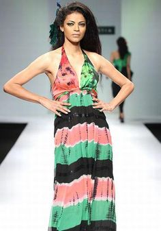1.Noyonika Chatterjee. Noyonika has been the queen of the ramp for over a decade. She was one of the first models to break the stereotype of light-skinned models. Till today, her warm complexion is her biggest asset. She not only walks the ramp but also trains new models and choreographs shows.