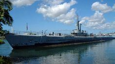 """Docked at Pearl Harbor along the """"Battleship Row,"""" the USS Bowfin Submarine Museum & Park is a fitting tribute to the 52 American submarines and more than 3,500 submariners lost in World War II. Description from aloha-hawaii.com. I searched for this on bing.com/images"""