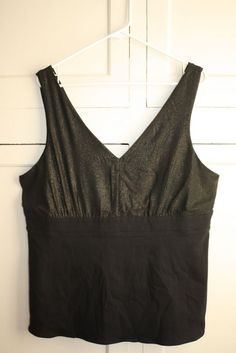 c6d48487d2 Torrid Black Gold Speckled V Neck Sleeveless Top Size 1  PlusSize  Fashion   Classy