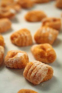 Round Up of Butternut Squash Recipes (Butternut Squash Gnocchi) Vegetarian Recipes, Cooking Recipes, Gnocchi Recipes, Comfort Food, Yummy Food, Tasty, Fall Recipes, Food Network Recipes, Love Food