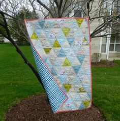 s.o.t.a.k handmade: triangles {a finished baby quilt}
