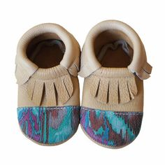 Toddler Moccasins, Leather Baby Shoes, The Chic, Look Cool, Locs, Great Gifts, Campaign, Pairs, Content