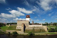 Eastern Estonia and Peipsi lake trip - Kiviõli, Tahamägi, Narva fortress, Peipsi lake. Read about our trip and tips for the road!