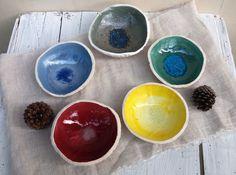 Posacenere colorato in ceramica / ceramic ashtray / cool ashtray / porta gioielli / ciotola fatta a mano / riccio di mare / sea urchin art di QBceramics su Etsy