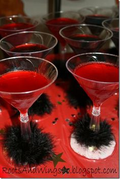 Movie star mocktails - OMG, love this!  Can be momtails instead, lol.