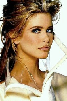 Claudia Schiffer - so '90! #makeup