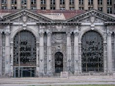 Decaying building in Detroit