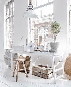 Oracle-Fox-Sunday-Sanctuary-Paulina-Arcklin-Interiors-White-Minimal-3