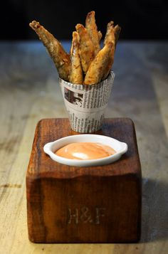 The 'designer' fish and chips that didn't disappoint - Food - How To Spend It Come and see our new website at bakedcomfortfood Pub Food, Cafe Food, Food Menu, Bar A Burger, Food Truck, Resto Vegan, Gastro Pubs, Fried Fish, Fish And Chips
