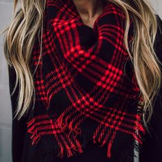 This is a must have for the upcoming season! The super soft blanket scarf will be your hottest accessory. Over-sized and ultra soft, you will love the warmth and style. They double as a blanket, perfe Cute Fall Outfits, Fall Winter Outfits, Autumn Winter Fashion, Autumn Style, Family Outfits, Casual Winter, Work Outfits, Red Plaid Scarf, Plaid Blanket Scarf