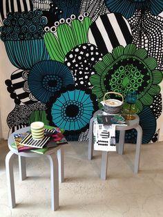 Marimekko fabric and Alvar Aalto stool Art Mural, Wall Murals, Wall Art, Home Decor Inspiration, Painting Inspiration, Graffiti, Inspiration Artistique, Marimekko Fabric, Deco Originale