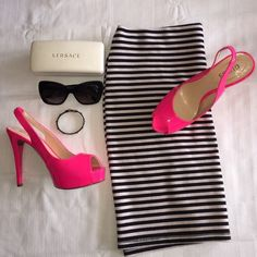 """Guess Pink Heels Guess Pink Heels                                            Measurements: 5"""" Heel                                                           Style: Platform, Peeptoe, Slingback                                                            I do not model the shoes, however please feel free to ask any and all questions you may have.  I'm a Top 10%, Top Rated Seller, fast shipper and I'm always happy to help!                                                               OFFERS…"""
