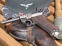 Mauser (Luger) I've always wanted one Luger Pistol, Revolver Pistol, Ww2 Weapons, Fire Powers, Cool Guns, Military Weapons, Guns And Ammo, Panzer, Luftwaffe
