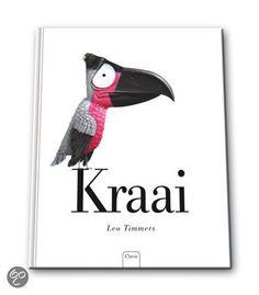 KraaiKraai is een aandoenlijk verhaal over een vogel die anders is dan de andere bont gekleurde vogeltjes. Op een dag hoort hij dat de andere dieren bang zijn van hem. Hij heeft heel veel verdriet. Met verf probeert hij zich te veranderen in een mees, een parkiet en een vink. Maar de vogels worden nóg banger van hem