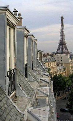 Toits de Paris                                                                                                                                                      Plus