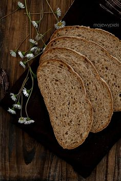 Chleb z prażonymi płatkami owsianymi (na zakwasie) / Bread with toasted oatmeal (on leaven) in Polish but if someone is interested I can make translation or just use web translating egine. Oat Bread Recipe, Bread Recipes, Pan Bread, Bread Baking, Croissants, Bread And Pastries, Sourdough Bread, Dough Recipe, Cheese