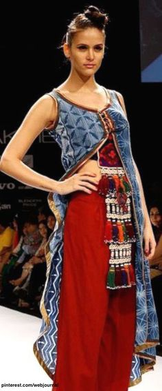 444d19585f56c Indian Ethnic Fashion - II - RUNWAY