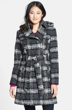 Pin for Later: Don't Compromise Your Style Just Because It's Raining Vince Camuto Plaid Trench Coat with Removable Hood Vince Camuto Plaid Trench Coat with Removable Hood (£82, originally £163)