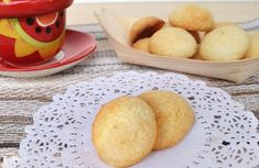 Biscuits à la noix de coco et lait concentré au Thermomix, recette de savoureux petits gâteaux à base de 2 ingrédients faciles et rapides à réaliser en moins de 20 minutes pour un goûter gourmand des enfants.