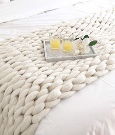 Pie de cama XXL Knitted Blankets, Merino Wool Blanket, My New Room, My Room, Chunky Blanket, Home Organisation, Bed Runner, Macrame Projects, Arm Knitting