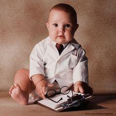 Intelligent Baby Working Wallpaper