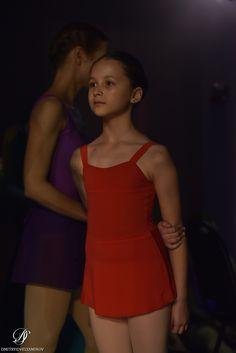 Ballet School, Ballet Class, Red Leotard, Pilates Fitness, Ballet Clothes, Fitness Clothing, Red Skirts, Figure Skating, Dance Wear