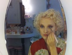 This vintage make-up tutorial by our very own Miss Powderpuff Katie Thomson is a fresh take on 1970's make-up inspired by the 1920's and is a perfectly pretty look for the party season ://endlessbeauty.com/beauty/tutorial-tuesday-1920s-vintage-makeup-tutorial/ as seen on Endlessbeauty.com #ThePowderpuffGirls
