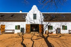 Visitors to Babylonstoren, the opulently restored Cape Dutch farm and hotel 45 minutes from Cape Town, are encouraged to pick fruits and vegetables directl Farm Gardens, Garden Farm, Cape Dutch, Spanish Architecture, Farm Shop, My Dream Home, Holland, Behind The Scenes, Restoration