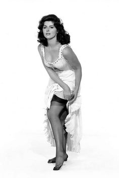 Mary Ann And Ginger, Tina Louise, Golden Age Of Hollywood, American Actress, Girl Photos, Movie Stars, Vintage Ladies, Pin Up, Sexy Women