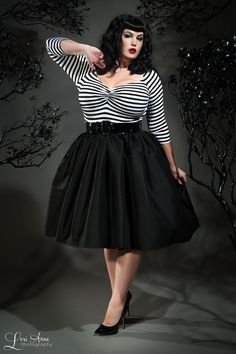 Pinup Couture - Jenny Skirt in Black Sharkskin Taffeta - Plus Size | Pinup Girl Clothing